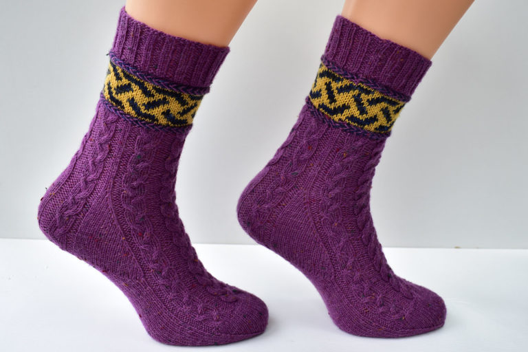 Braidalot sock pattern by Dots Dabbles