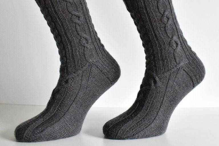 Dementor sock pattern by Dots Dabbles