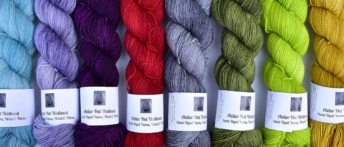 Het Wolbeest hand dyed yarn in 8 beautiful semi solid colours