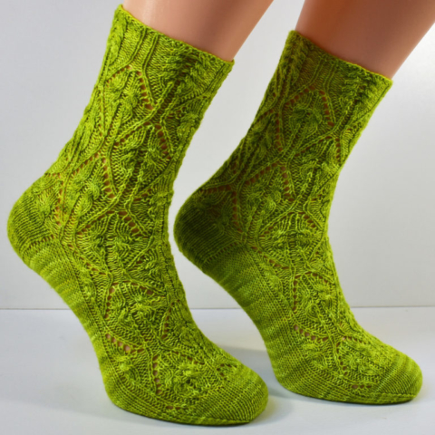 Ferngully sock pattern by Dots Dabbles